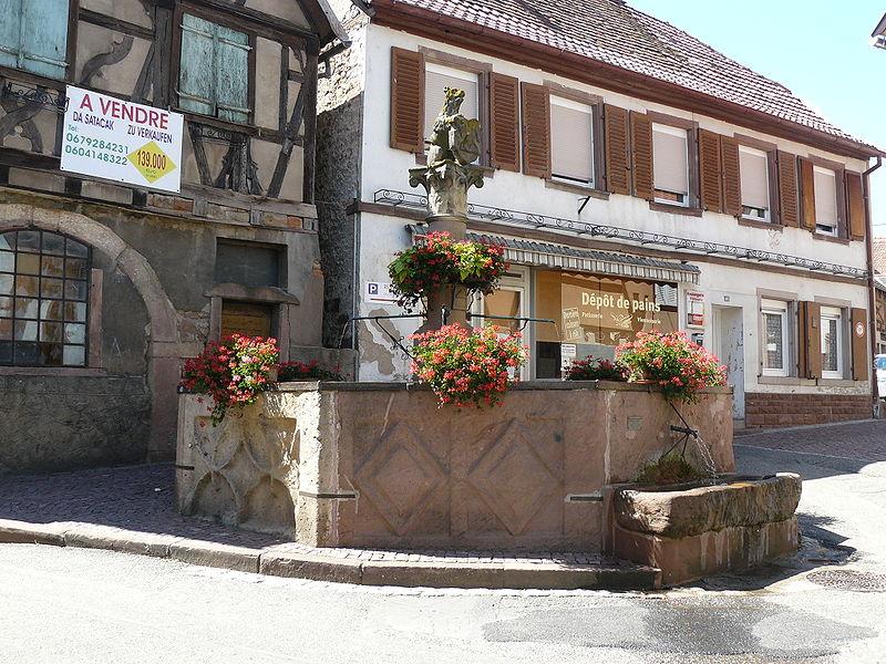 Photo du Monument Historique Fontaine dite de l'Ours situé à Heiligenstein