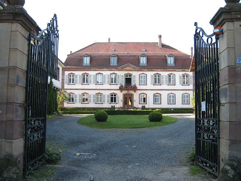 Photo du Monument Historique Ancien domaine de Windeck, dit Foyer de Charité situé à Ottrott