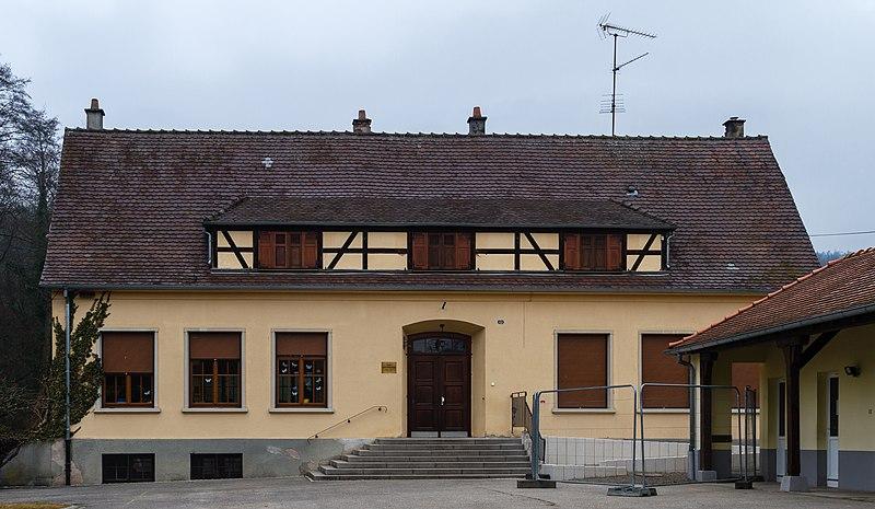 Photo du Monument Historique Ecole primaire situé à Drachenbronn-Birlenbach