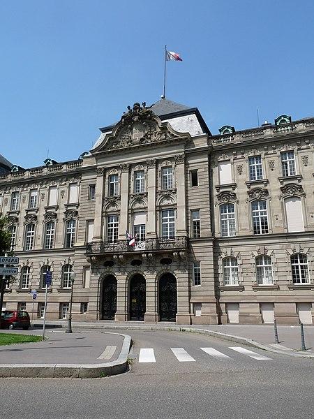 Photo du Monument Historique Ancien bâtiment ministériel (ouest) , actuellement Direction régionale des impôts, Direction des services fiscaux du Bas-Rhin (4 place de la République) , Trésorerie générale de la région Alsace et du département du Bas-Rhin (25 avenue des Vosges) situé à Strasbourg