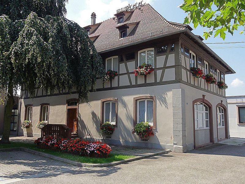 Photo du Monument Historique Ancien hôtel du maître de poste situé à Fegersheim