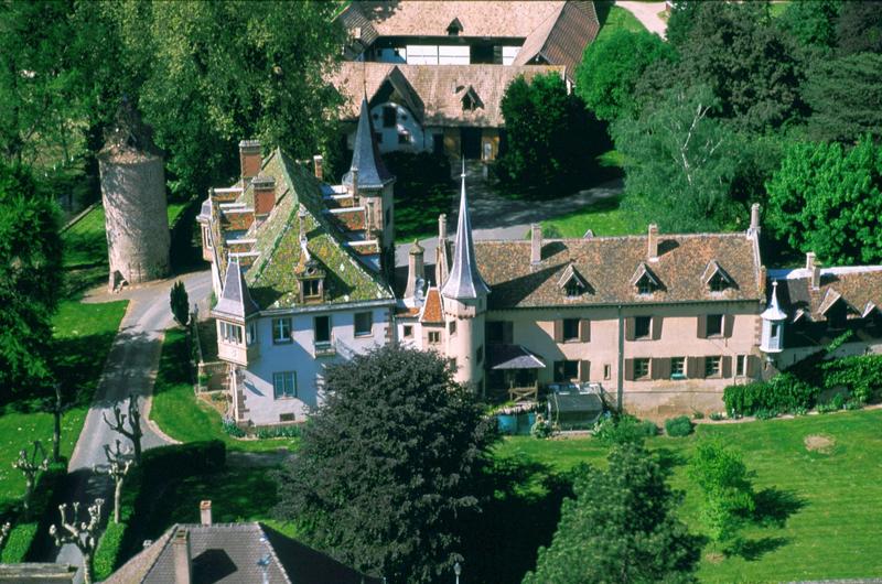 Photo du Monument Historique Ancien château des évêques de Strasbourg, dit Vieux Château situé à Dachstein