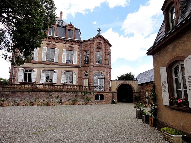 Photo du Monument Historique Château situé à Froeschwiller