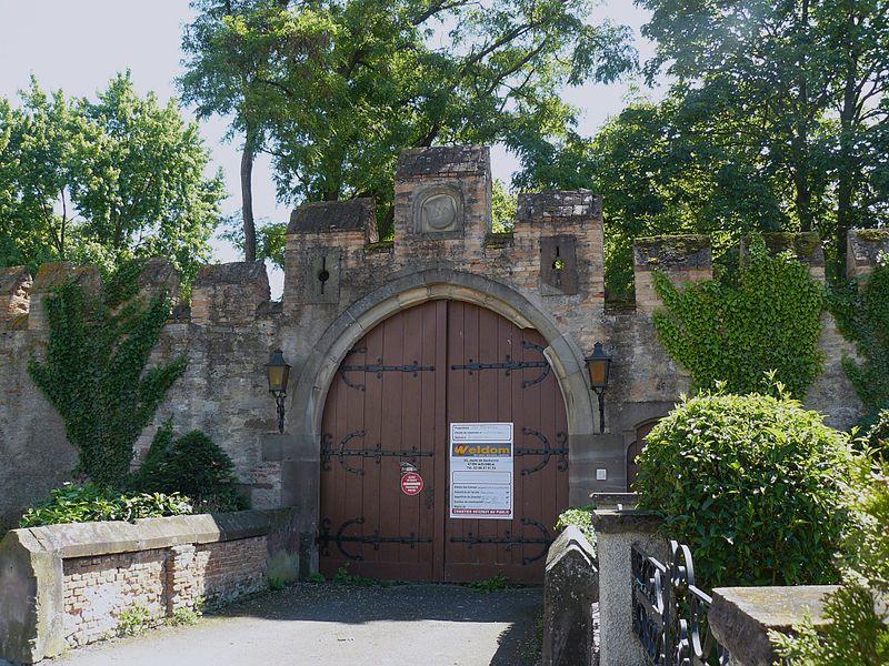Photo du Monument Historique Château de Landsberg situé à Niedernai