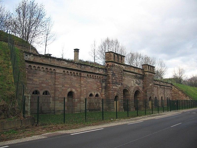 Photo du Monument Historique Fortifications allemandes, front nord et nord-ouest situé à Strasbourg