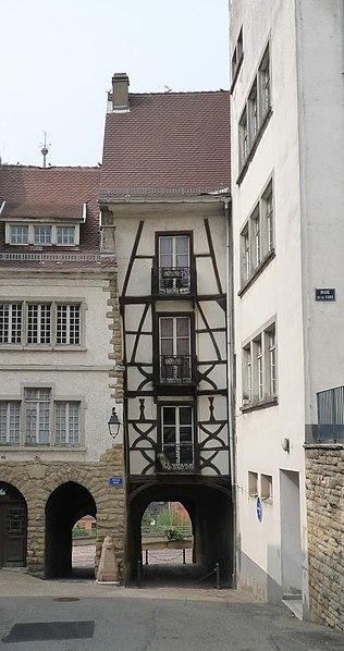 Photo du Monument Historique Vieille porte de ville situé à Altkirch