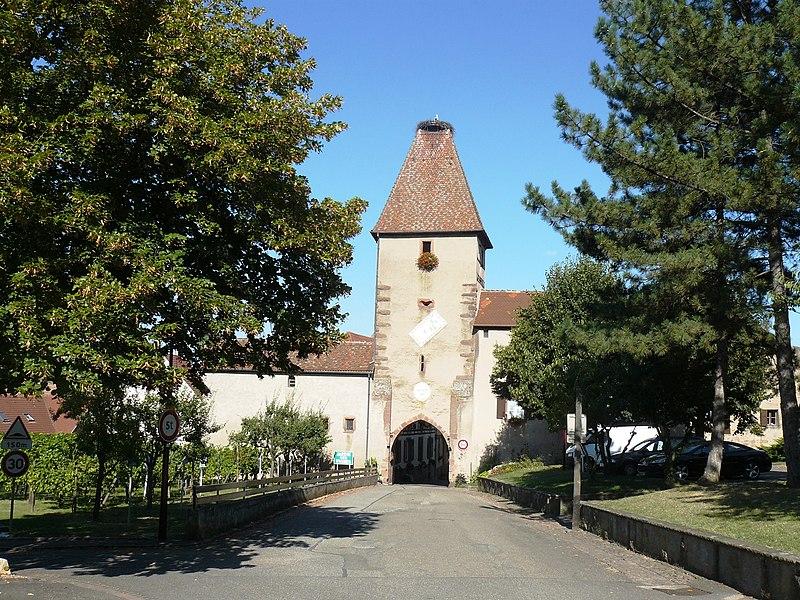 Photo du Monument Historique Porte Haute situé à Ammerschwihr