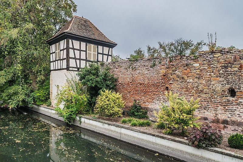 Photo du Monument Historique Enceintes du Moyen Age situé à Colmar