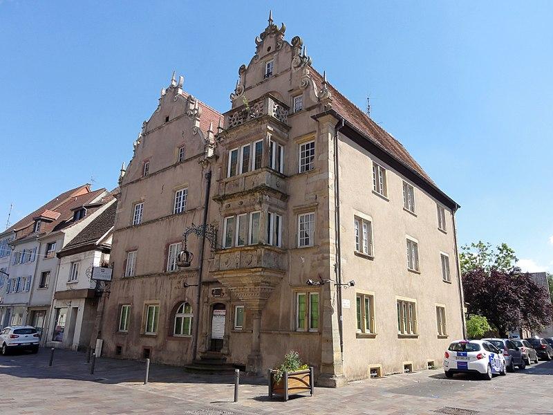 Photo du Monument Historique Hôtel de la Couronne, dit aussi Palais de la Régence situé à Ensisheim