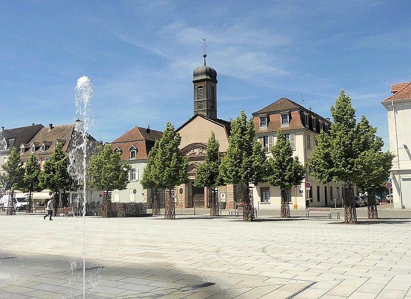 Photo du Monument Historique Ancienne église catholique (paroissiale) Saint-Louis situé à Huningue