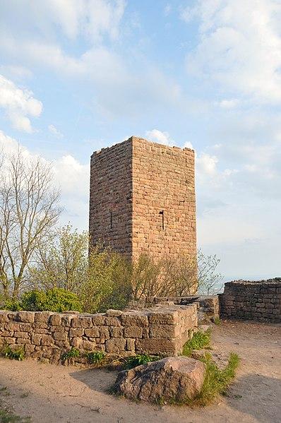 Photo du Monument Historique Ruines des châteaux de Weckmund et de Wahlenbourg situé à Husseren-les-Châteaux