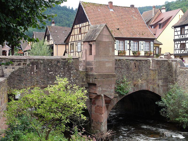 Photo du Monument Historique Pont sur la Weiss et sa chapelle situé à Kaysersberg