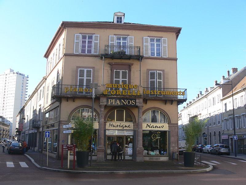 Photo du Monument Historique Immeubles bordant la place de la République situé à Mulhouse