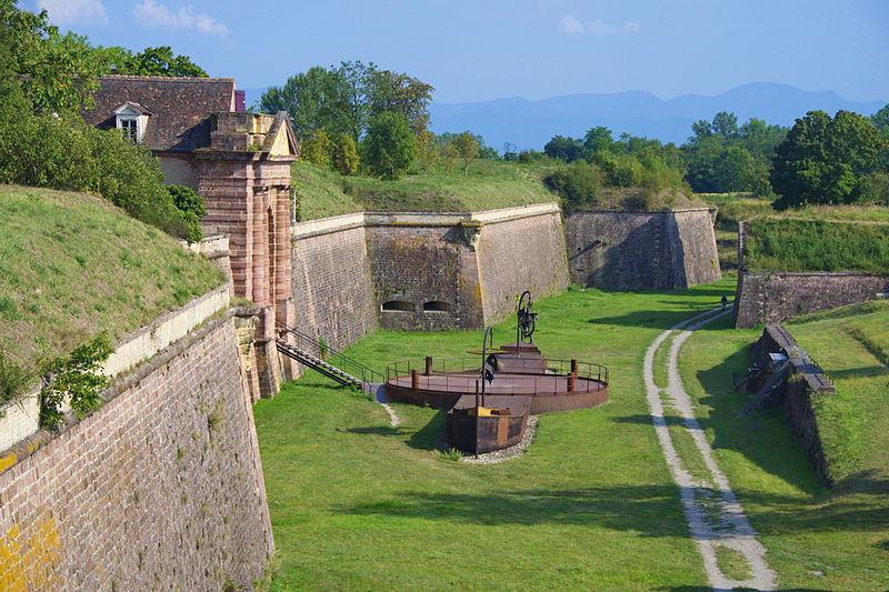 Photo du Monument Historique Remparts situé à Neuf-Brisach
