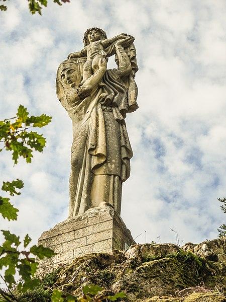 Photo du Monument Historique Statue monumentale de la Vierge à l'Enfant dite Vierge d'Alsace ou à l'Offrande situé à Niederbruck
