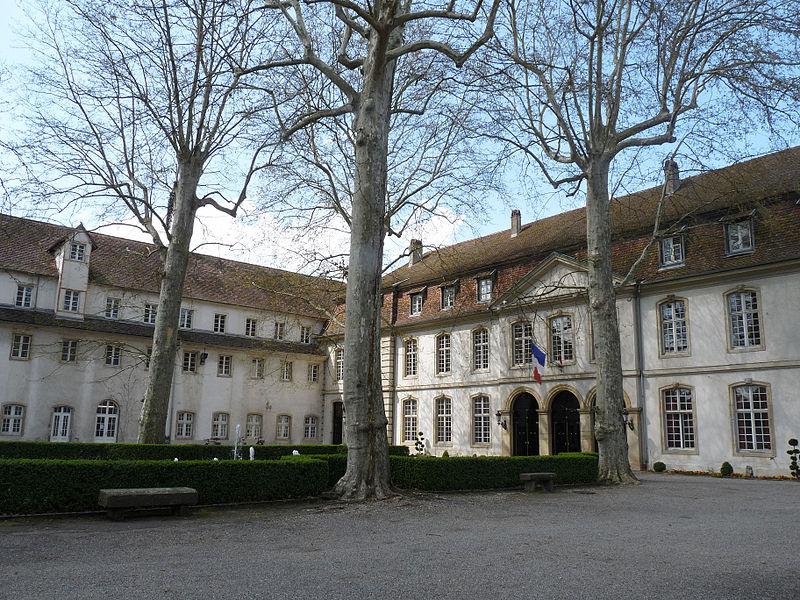 Photo du Monument Historique Ancienne manufacture Zuber (antérieurement Commanderie des chevaliers teutoniques) situé à Rixheim