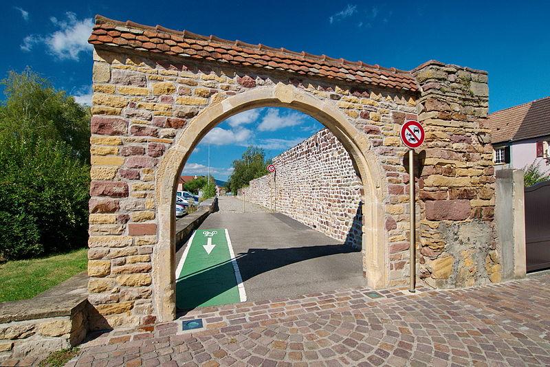 Photo du Monument Historique Enceinte fortifiée situé à Rouffach