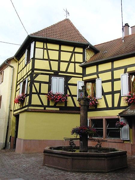 Photo du Monument Historique Fontaine datée de 1601 situé à Soultzbach-les-Bains