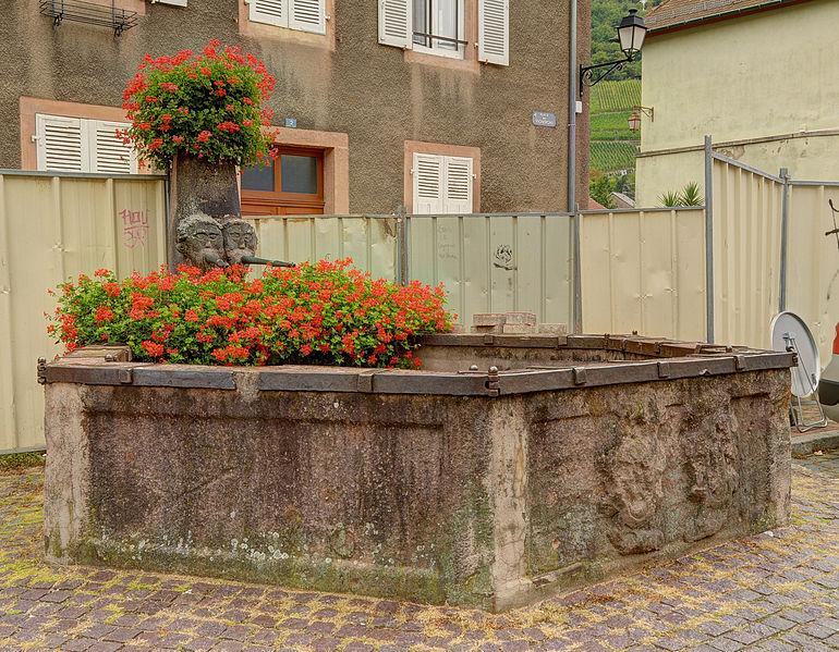 Photo du Monument Historique Fontaine des Vignerons situé à Thann