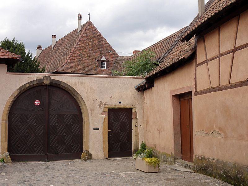 Photo du Monument Historique Abbaye de Munster situé à Turckheim