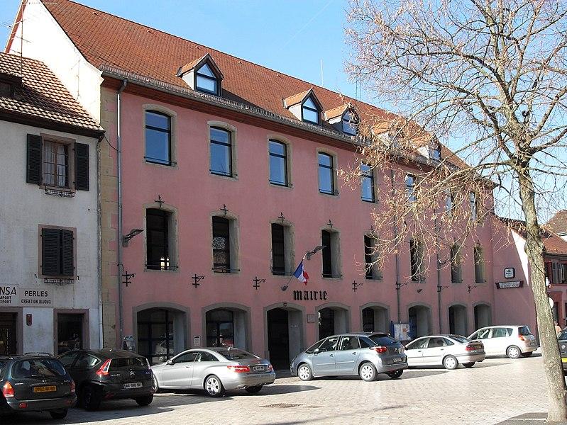 Photo du Monument Historique Ancien hôtel de l'Intendant d'Alsace, dit ancienne Ecole des Filles situé à Ensisheim