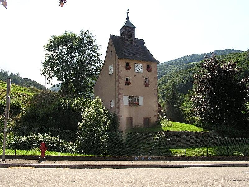 Photo du Monument Historique Tour des mineurs, à Echery, numéro 43, dite aussi Tour de l'Horloge ou Prison des mineurs situé à Sainte-Marie-aux-Mines