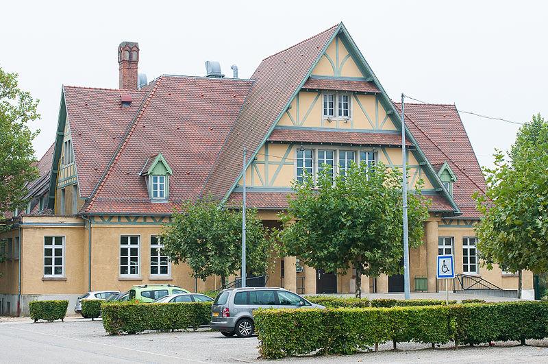 Photo du Monument Historique Salle des fêtes Grassegert situé à Wittelsheim