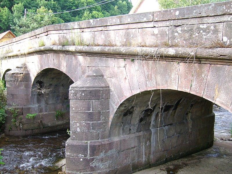 Photo du Monument Historique Pont de la Timbach situé à Sainte-Croix-aux-Mines