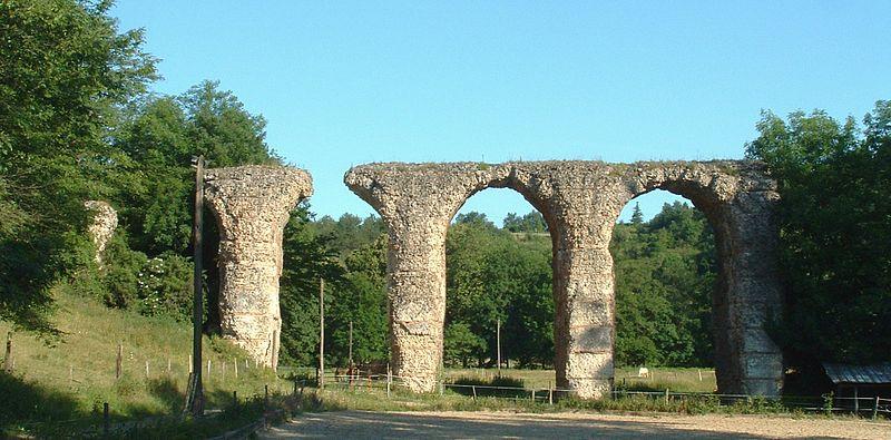 Photo du Monument Historique Aqueduc gallo-romain du Gier dit aussi du Mont-Pilat (également sur communes de Lyon, Sainte-Foy-lès-Lyon, Soucieu-en-Jarrest, Chaponost, Mornant) situé à Brignais