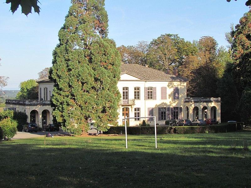 Photo du Monument Historique Château de Sermezy situé à Charentay