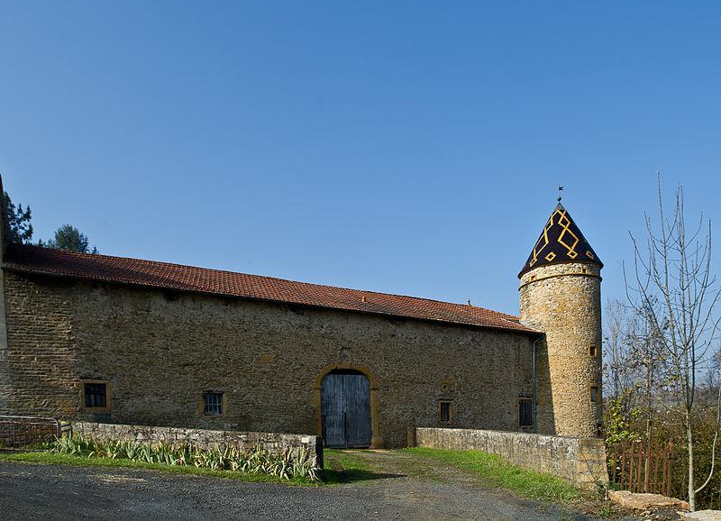 Photo du Monument Historique Château de Courbeville situé à Chessy