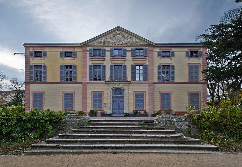 Photo du Monument Historique Château situé à Grigny