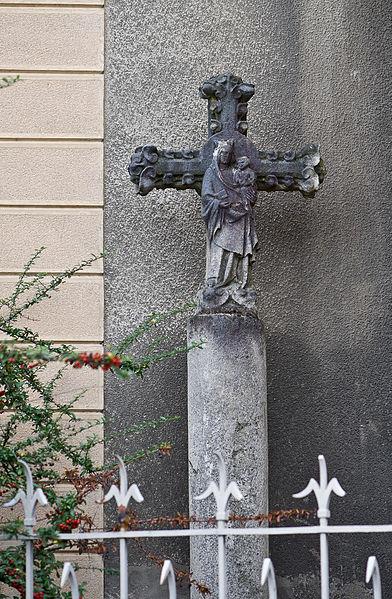 Photo du Monument Historique Croix de chemin situé à Irigny