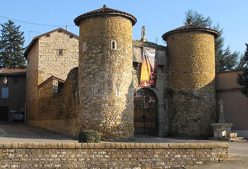 Photo du Monument Historique Ancien château des Comtes de Lissieu situé à Lissieu