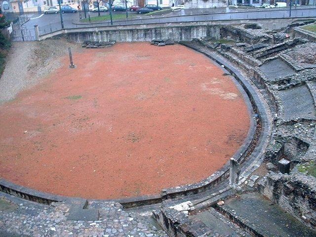 Photo du Monument Historique Amphithéâtre fédéral romain des Trois Gaules situé à Lyon