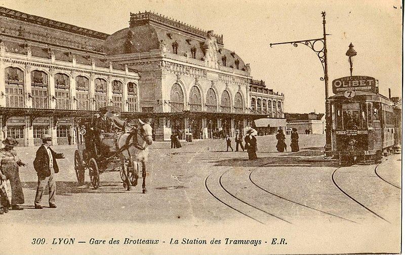 Photo du Monument Historique Gare des Brotteaux situé à Lyon 06