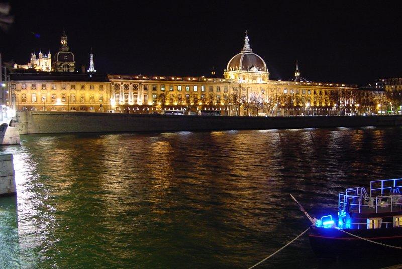 Photo du Monument Historique Hôtel-Dieu situé à Lyon