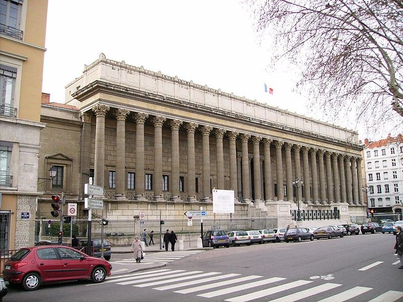 Photo du Monument Historique Palais de Justice de Lyon situé à Lyon
