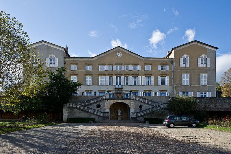 Photo du Monument Historique Ecole Saint-Thomas-d'Aquin (ancien château) situé à Oullins