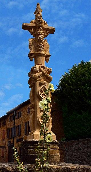 Photo du Monument Historique Croix situé à Pouilly-le-Monial
