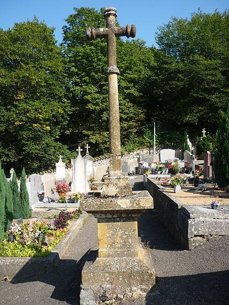 Photo du Monument Historique Croix de cimetière situé à Ronno