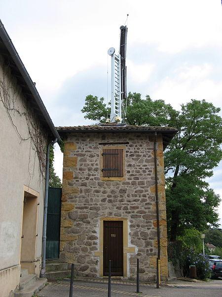 Photo du Monument Historique Tour du télégraphe situé à Sainte-Foy-lès-Lyon