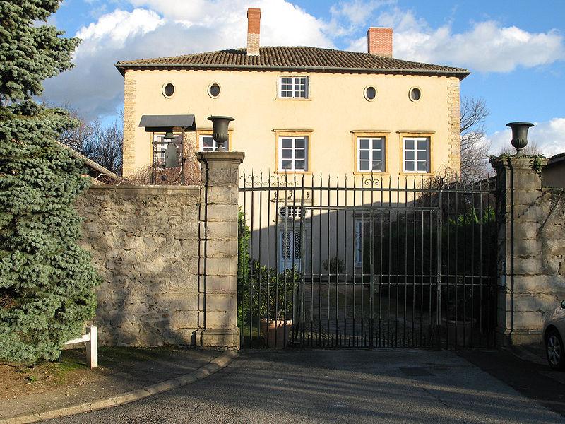 Photo du Monument Historique Château de Lumagne situé à Saint-Genis-Laval