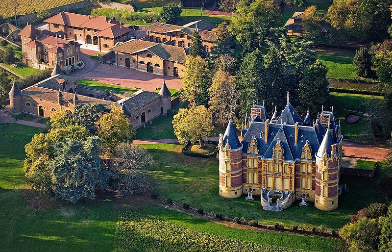 Photo du Monument Historique Domaine du château de la Flachère situé à Saint-Vérand