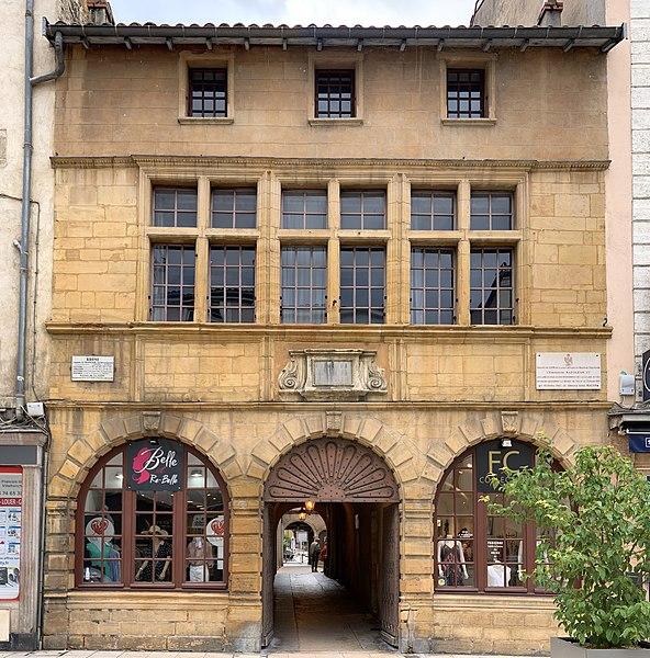 Photo du Monument Historique Hôtel de ville situé à Villefranche-sur-Saône