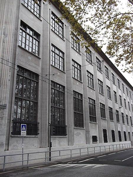 Photo du Monument Historique Ancienne école de tissage, actuellement lycée technique d'enseignement situé à Lyon