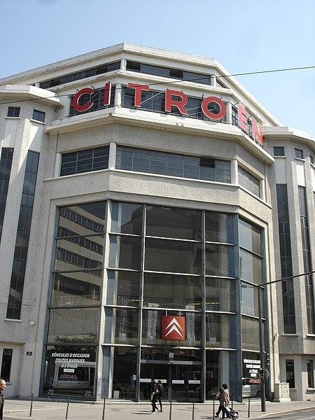 Photo du Monument Historique Garage Citroën situé à Lyon 07