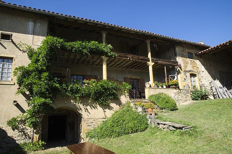 Photo du Monument Historique Ferme Reverdy, au hameau Le Tyr situé à Saint-Julien-sur-Bibost