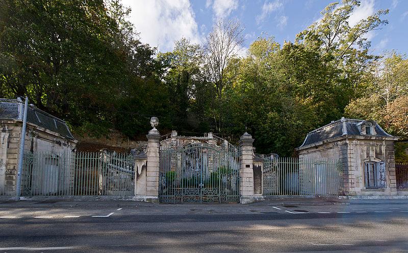 Photo du Monument Historique Domaine de Bellerive situé à La Mulatière