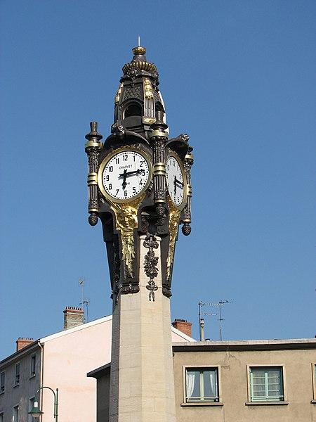 Photo du Monument Historique Horloge monumentale situé à Tassin-la-Demi-Lune